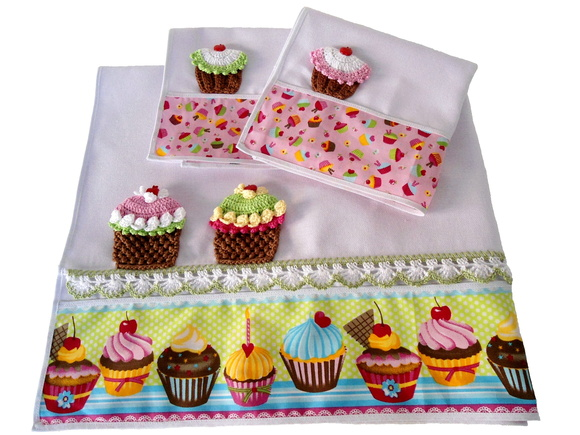 Cupcakes de crochê – Por Mari Salvhestro