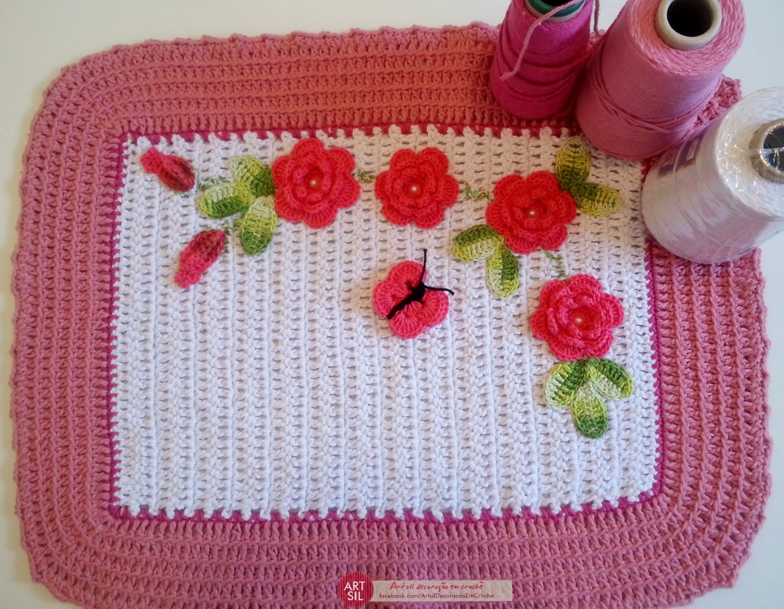 Flores e folhas de crochê – Por Artsil Decoração