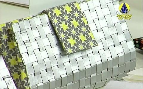Bolsa trançada com caixa de leite
