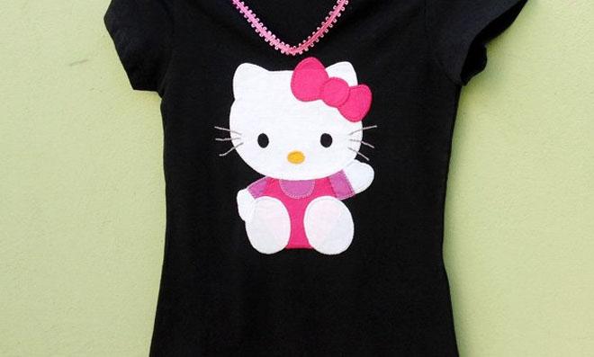 Camiseta com Hello Kitty em patch aplique