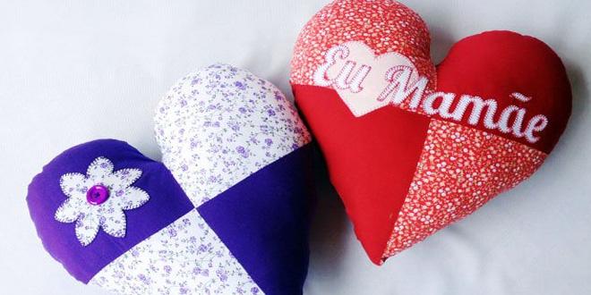 Almofada de Coração para o Dia das Mães