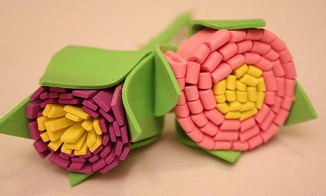 Uma flor para outra flor! Aprenda a fazer lindas Flores de EVA