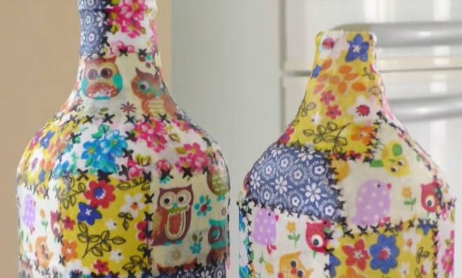 Quem quer? Aprenda como fazer patchwork em garrafas