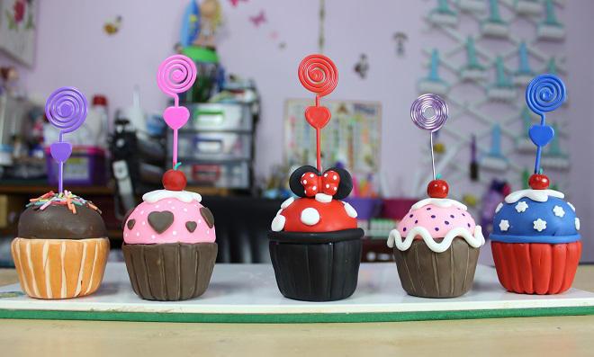 Lembrancinhas para festa: Aprenda como fazer Cupcakes de Biscuit