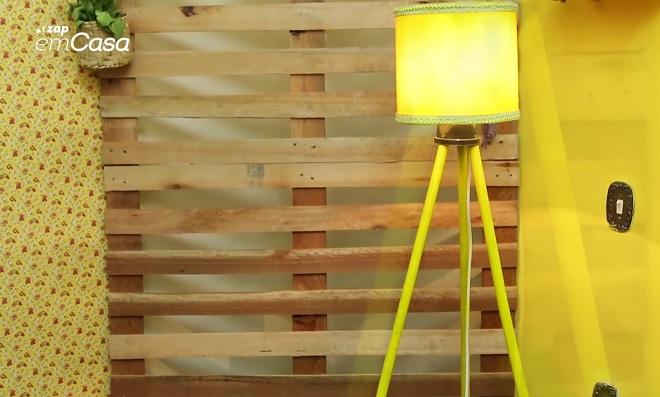 Criatividade pura! Transforme cabos de vassoura em luminária