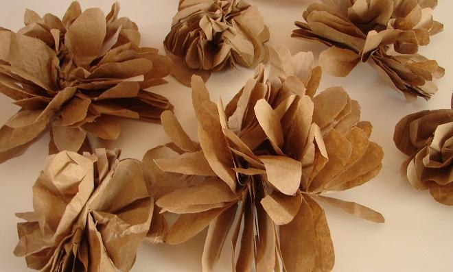 Flores feitas com saco de pão - Destaque