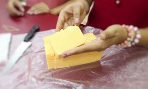 Renda extra! Aprenda como fazer sabonete em barra para venda - Destaque