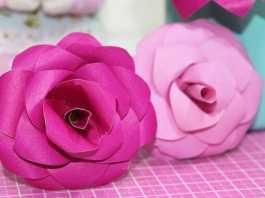 DIY: Aprenda como fazer uma linda flor de papel