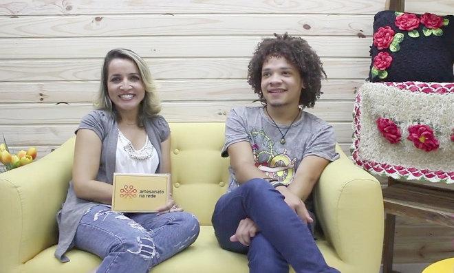 Andreia Bassan entrevista o artesão Wesley Kotchó