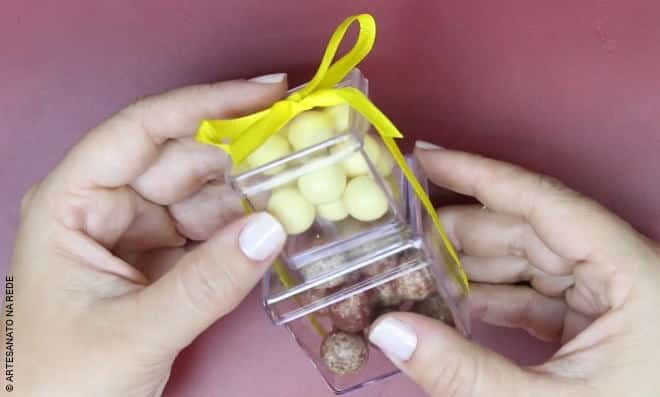 Aula rápida: Caixinhas de acrílico sobrepostas fazem uma doce dupla!