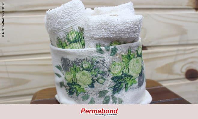Decoupage em cachepot para toalha de lavabo usando apenas cola