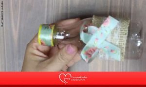 Garrafinha de acrílico decorada para festas - Destaque