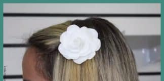 Aprenda como fazer um prendedor de cabelo com flor de feltro - Destaque