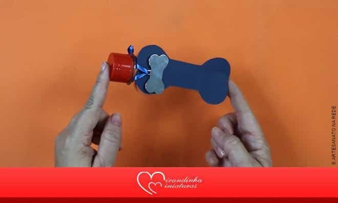Lembrancinha Pet: Pote de acrílico com formato e decoração de osso