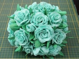Aprenda como fazer topiaria com flores de EVA e isopor - Destaque