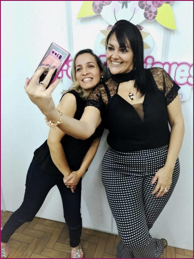 Faby Rodrigues fecha parceria com o Artesanato Na Rede - Momentos