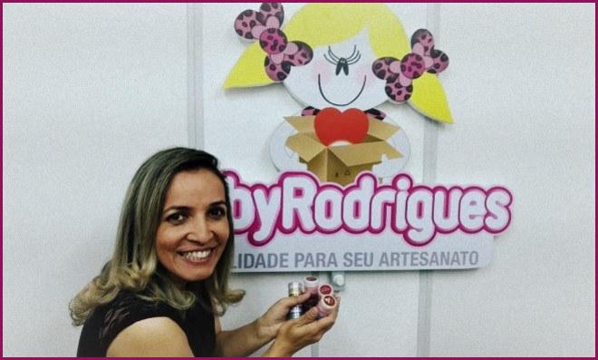 Faby Rodrigues fecha parceria com o Artesanato Na Rede