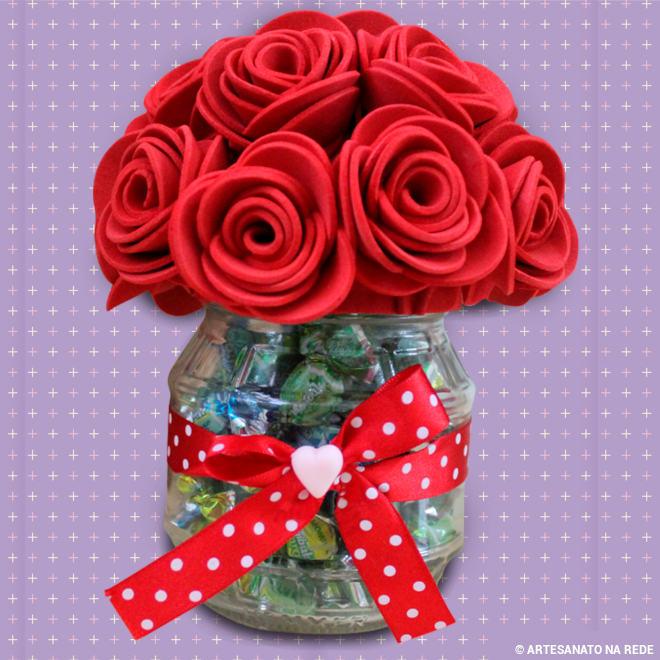 Pote de plástico decorado com EVA - Flor mamãe - Detalhe