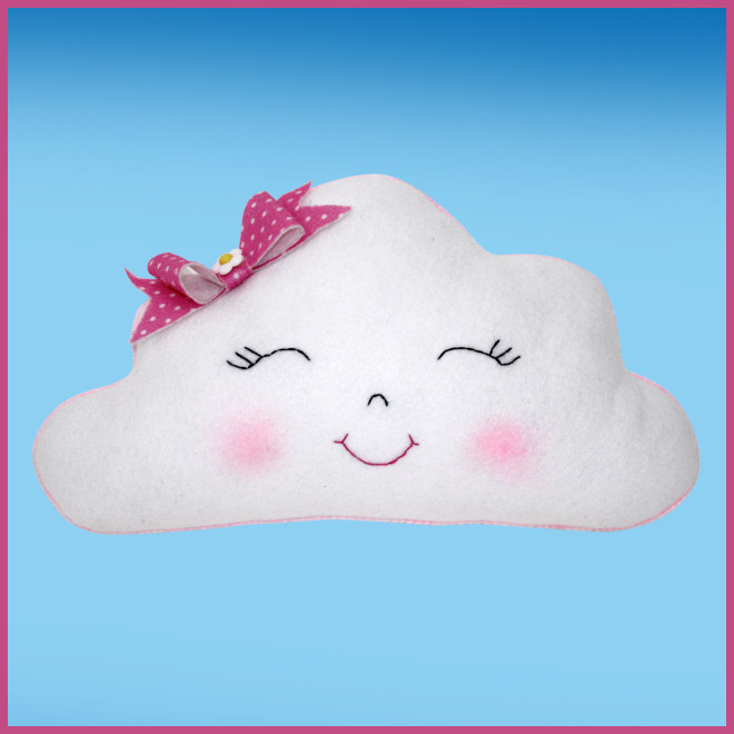 Nuvem de feltro com bordado e pó mágico para decoração e lembrancinhas - Detalhe