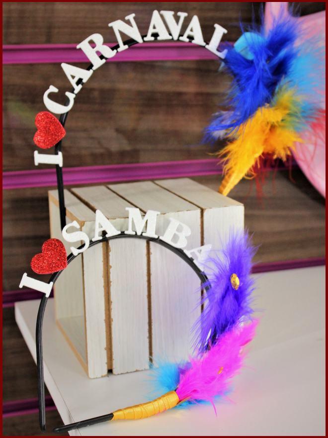 Tiara de carnaval usando EVA com glitter e fita de cetim - Detalhe