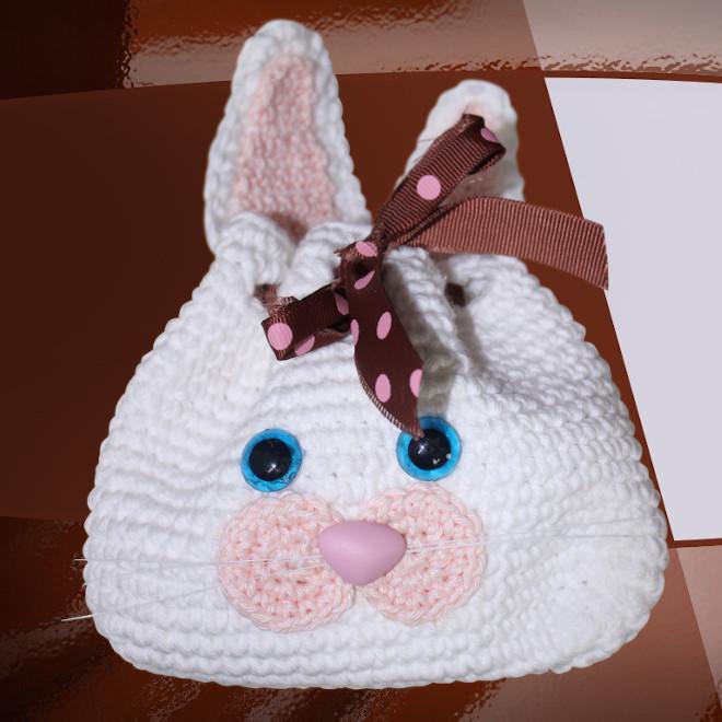 Porta-chocolate em crochê - Coelho amigurumi - Detalhe